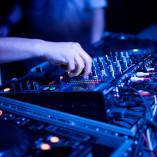 DJ ( didzhej ) (6)